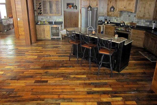 reclaimed-wood-flooring-01
