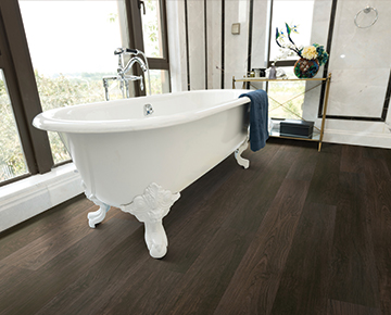 Hallmark-Floors-Courtier-Margrave-Teak-Bathroom